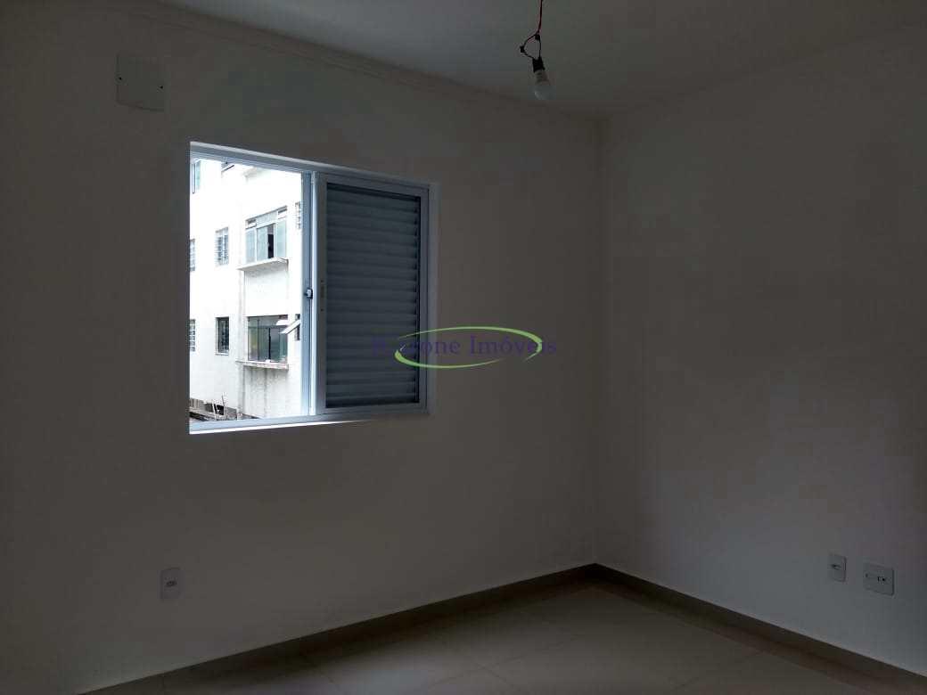 Casa com 4 dorms, Ponta da Praia, Santos - R$ 1.1 mi, Cod: 64152492