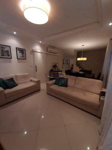 Casa com 3 dorms, Vila Mathias, Santos - R$ 845 mil, Cod: 64153004
