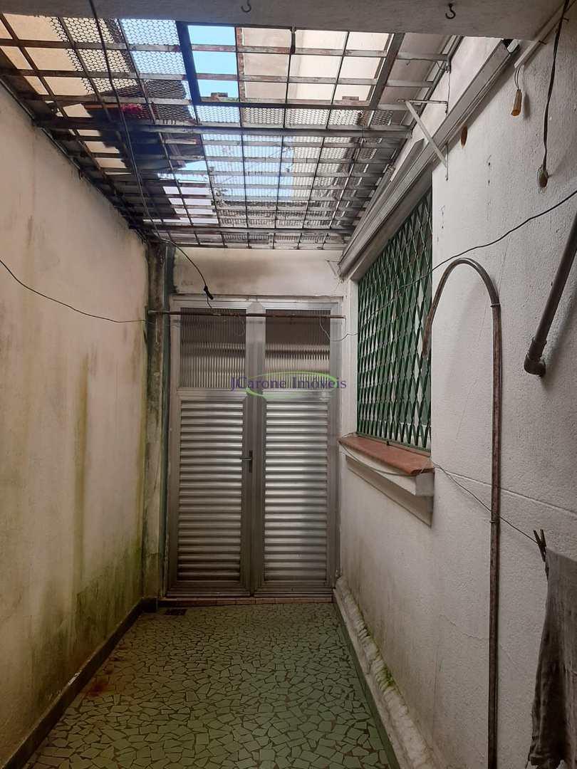 Casa com 3 dorms, Campo Grande, Santos - R$ 750 mil, Cod: 64153174