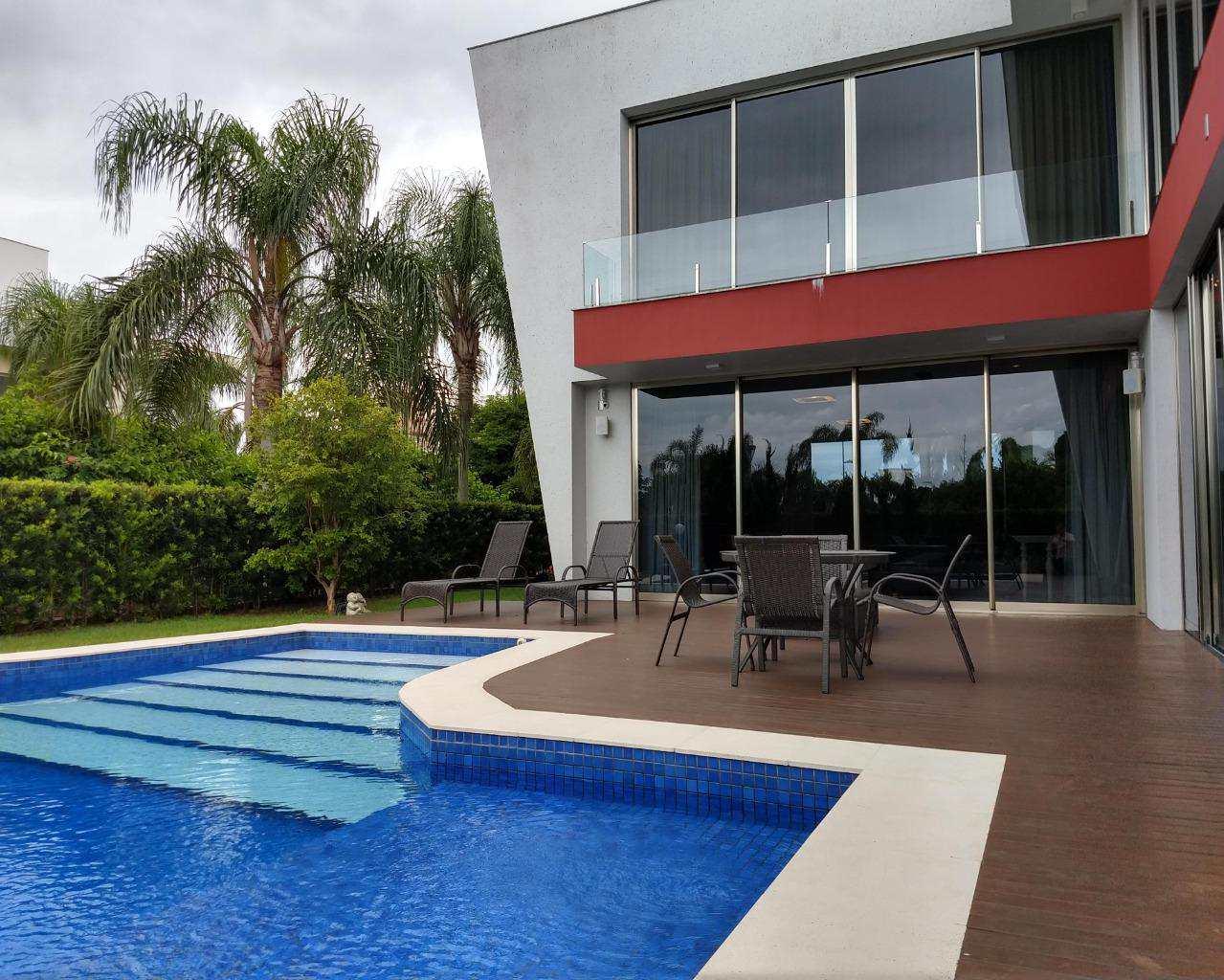 Casa com 5 quartos em  Jurerê Internacional, Florianópolis