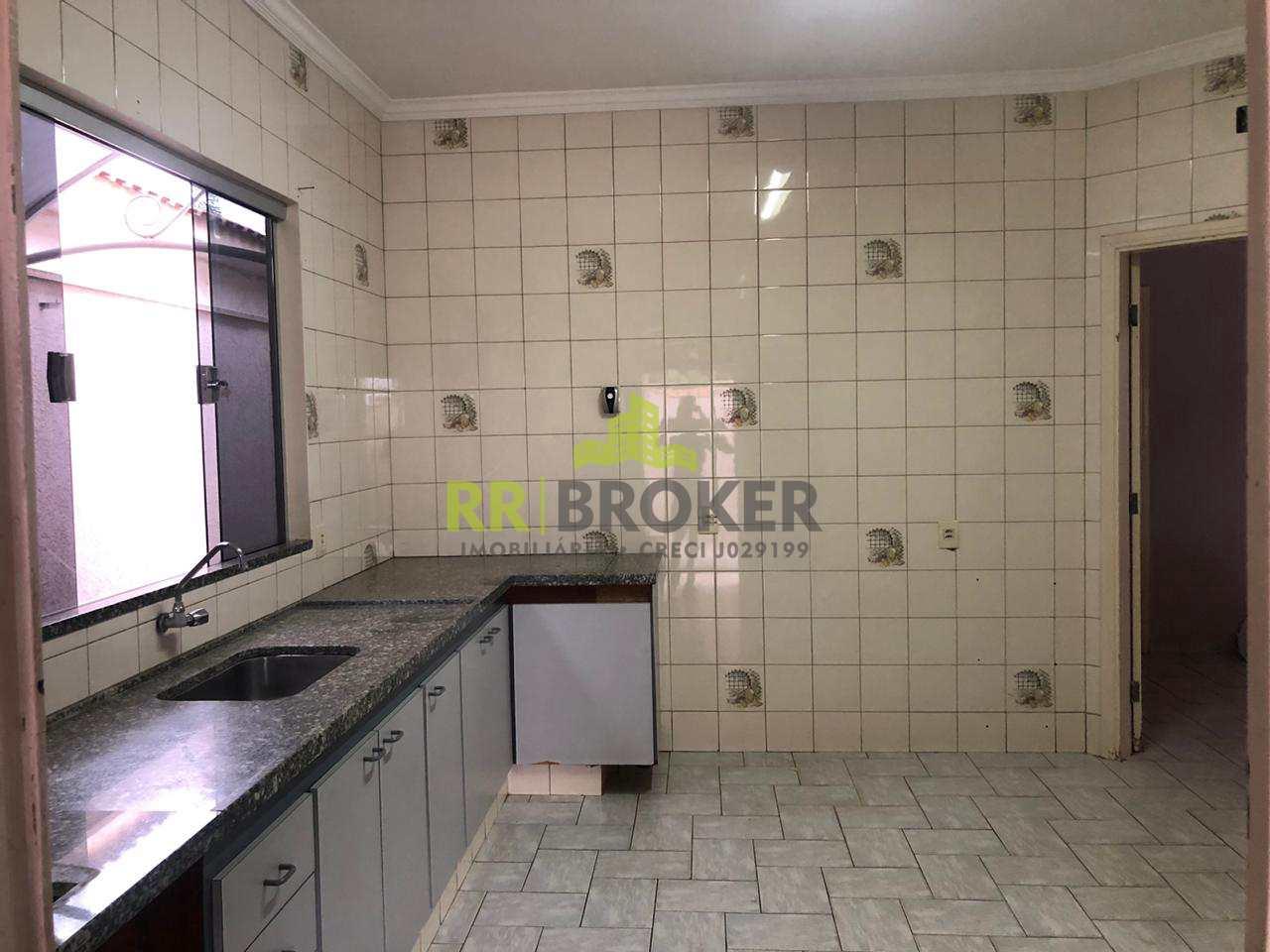 Casa com 3 dorms, Jardim Residencial Diolfen Martani, Catanduva - R$ 350 mil, Cod: 39