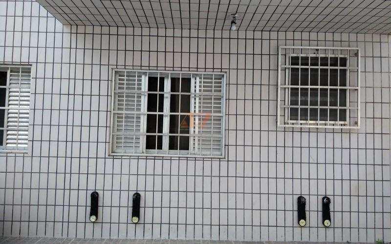 Apartamento em Praia Grande no bairro Canto do Forte sendo 01 dormitório