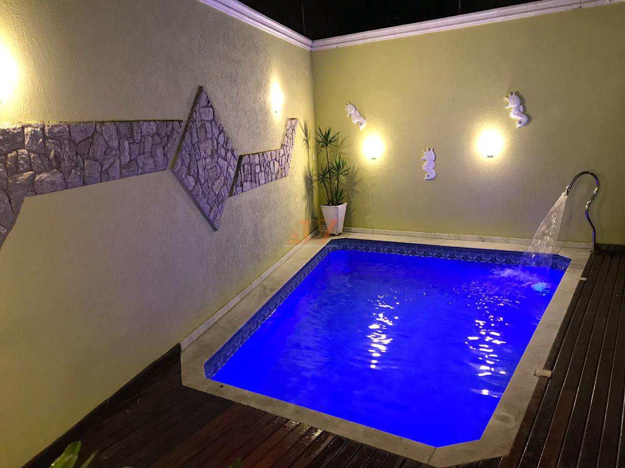 Casa com 3 dorms, Caiçara, Praia Grande - R$ 750 mil, Cod: 2413