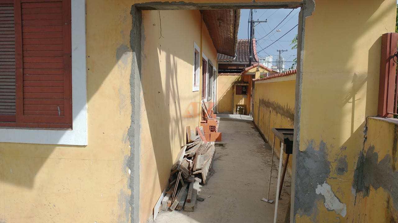 Casa com 3 dorms, Caiçara, Praia Grande - R$ 360 mil, Cod: 2760