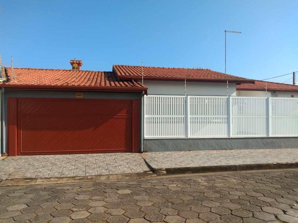 Casa com 3 dorms, Satélite, Itanhaém - R$ 520 mil, Cod: 50