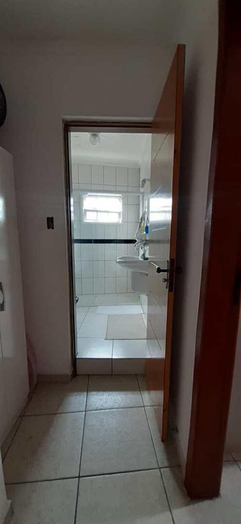 Prédio com 3 dorms, Guarau, Itanhaém - R$ 600 mil, Cod: 103