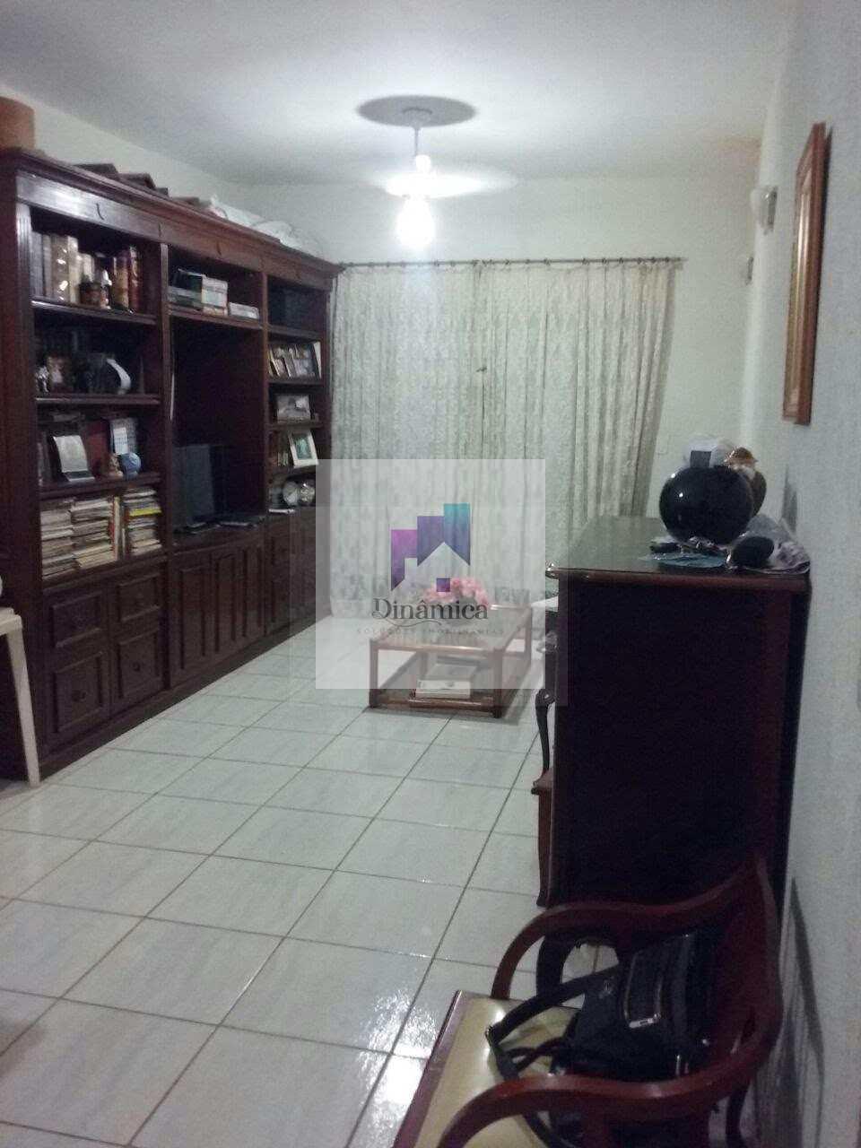 Casa com 5 dorms, Nossa Senhora do Carmo, Sete Lagoas - R$ 600 mil, Cod: 226