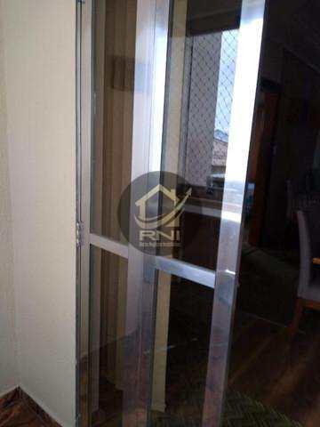 Apartamento com 2 dormitórios à venda, 60 m² por R$ 330.000,00 - Encruzilhada - Santos/SP