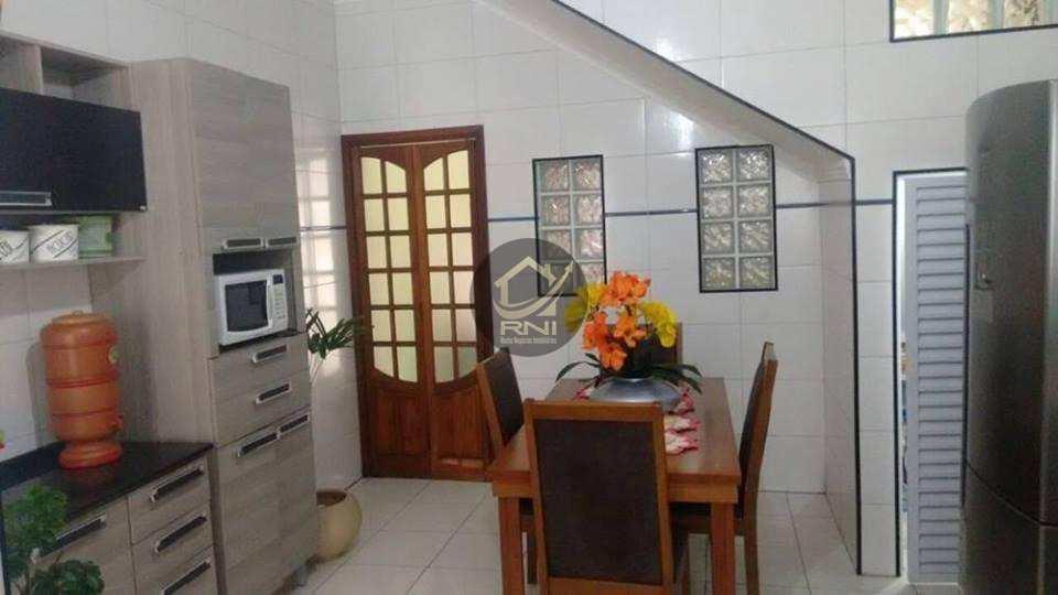 Sobrado com 2 dormitórios à venda, 99 m² por R$ 270.000,00 - Parque Bitaru - São Vicente/SP