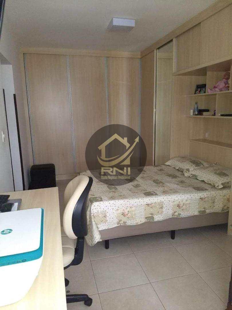 Apartamento com 3 dormitórios à venda, 10000 m² por R$ 610.000 - Campo Grande - Santos/SP