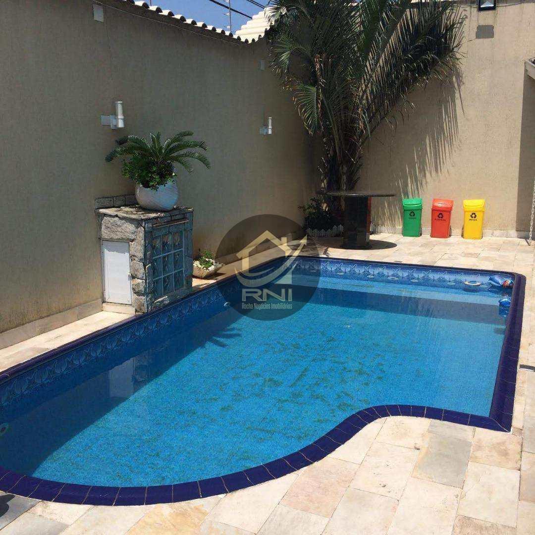 Sobrado à venda, 297 m² por R$ 1.900.000,01 - Canto do Forte - Praia Grande/SP