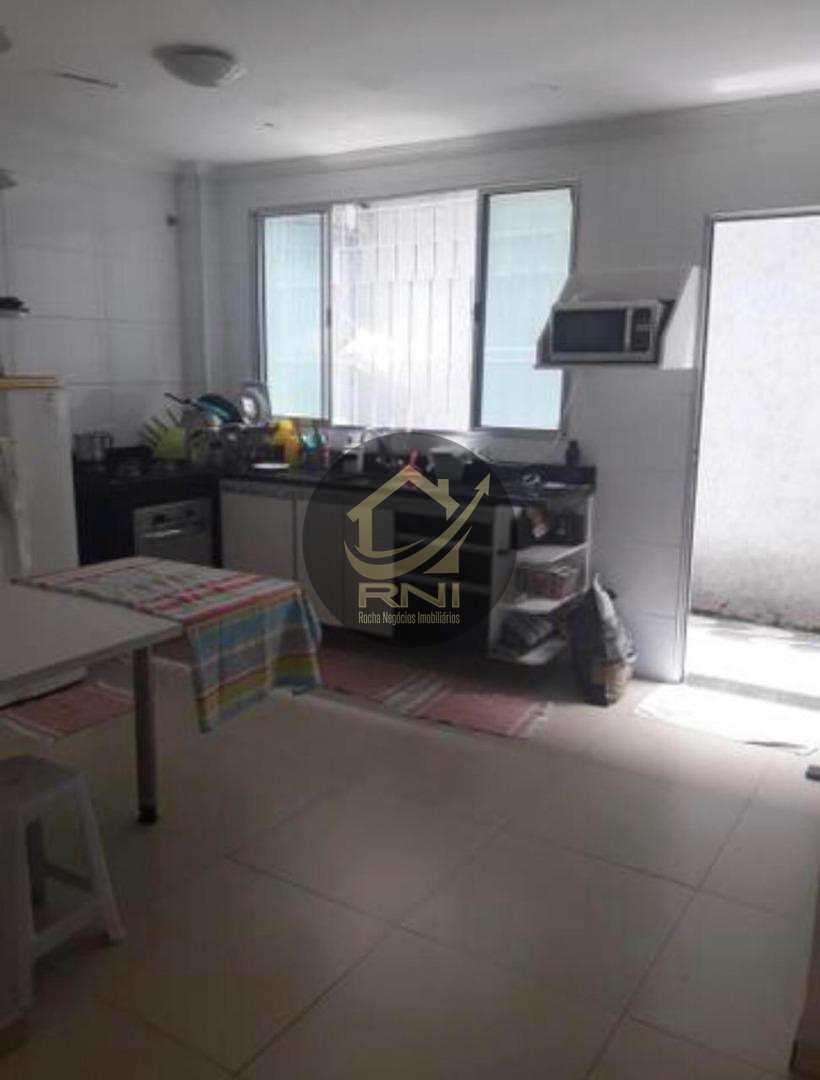 Apartamento com 2 dormitórios à venda, 70 m² por R$ 239.000 - Vila Valença - São Vicente/SP