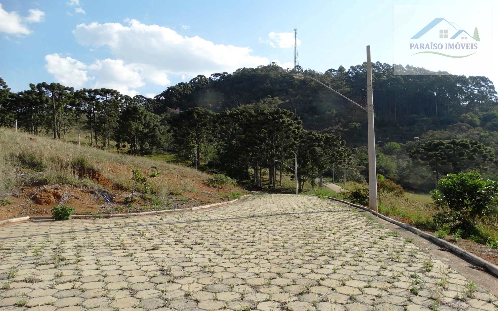 Terreno Urbano em Condomínio Fechado - Gonçalves MG