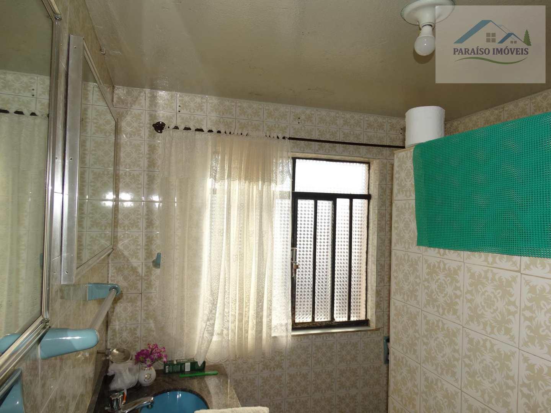 Bela Vivenda com 4 dormitórios - Paraisópolis MG - Centro