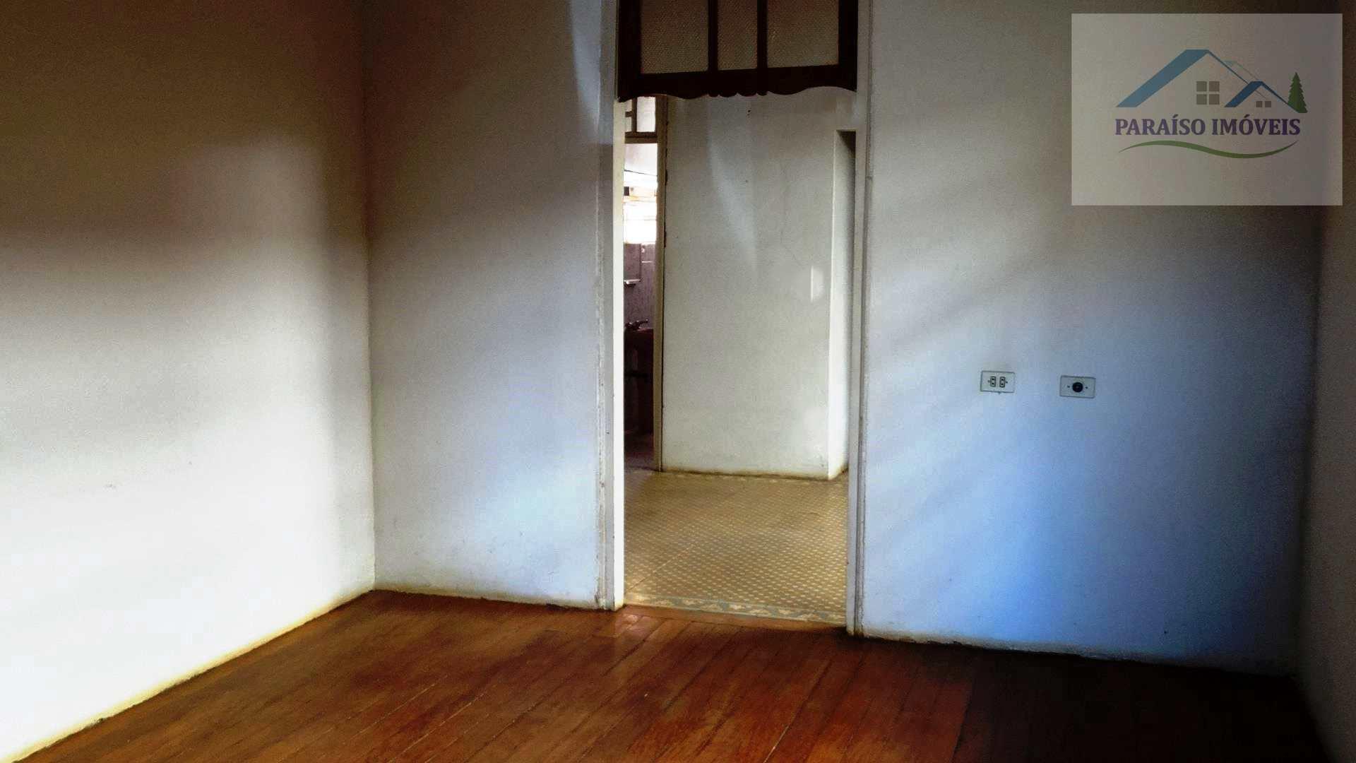 Casa Térrea à Venda no Centro de Paraisópolis MG. Oportunidade!