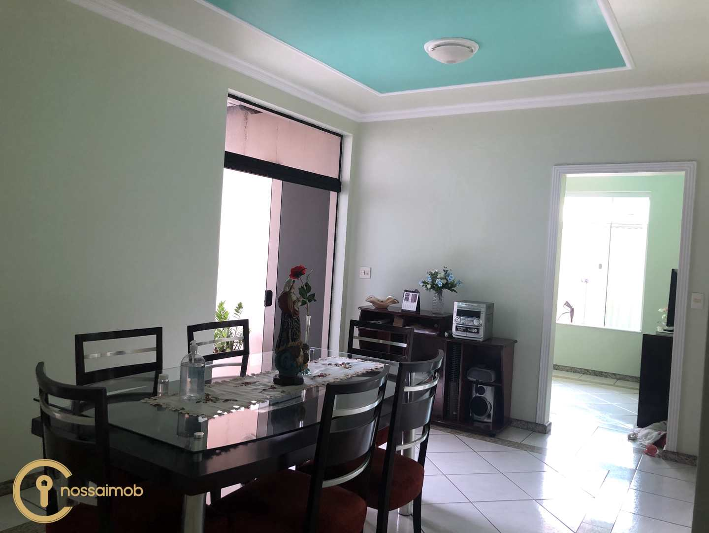 Casa com 4 dorms, Manoel Valinhas, Divinópolis - R$ 800 mil, Cod: 11