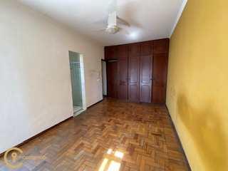 Um Apartamento central para moradia ou investimento. 98 m² com